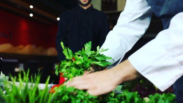 Wir haben zusammen mit @ali.kara_ali und @hasssan.ka für das @lorient_restaurant_whv die Sendung L' Orient kocht...! produziert 😊 Viel Spaß beim schauen, der Link ist in der Bio :)